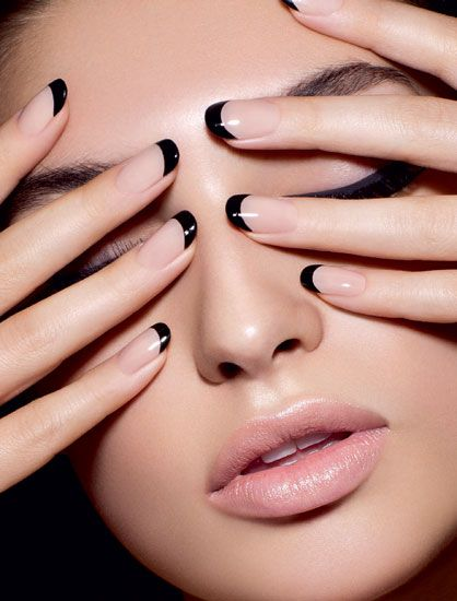 Black-Tipped-French-Manicure-Design